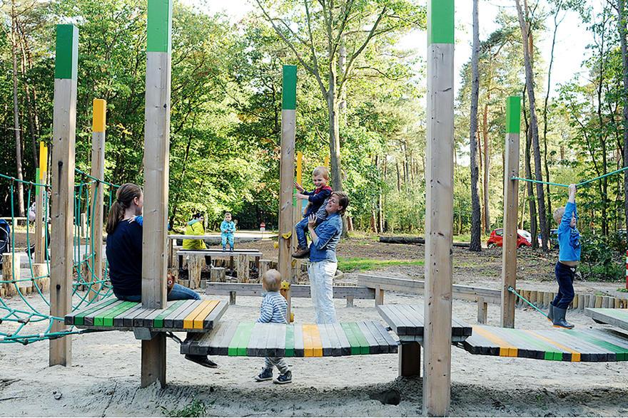 Bosland - kinderen spelen